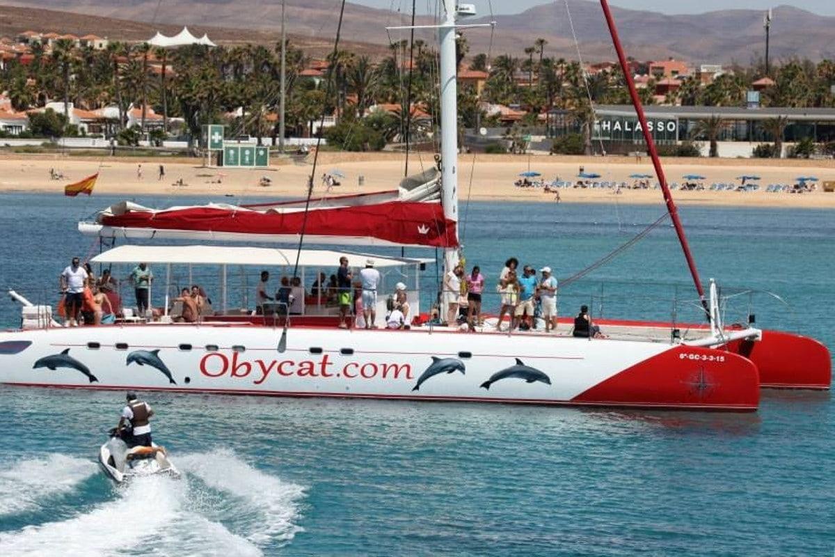 Excursión en catamarán desde Caleta de Fuste
