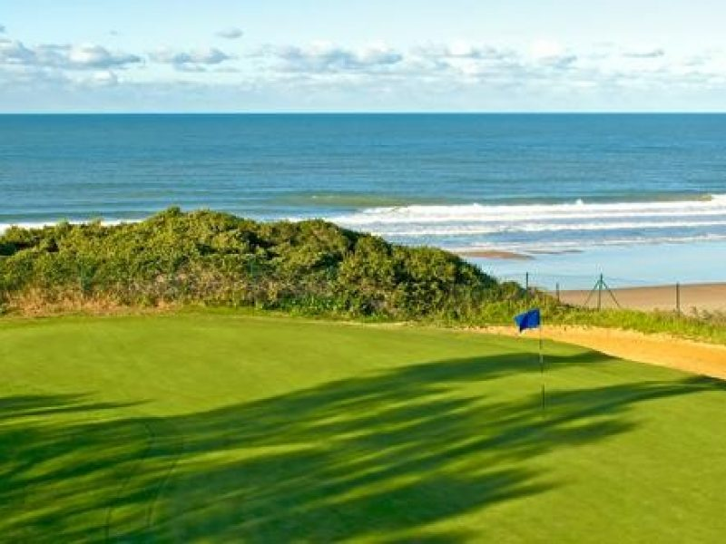 Si estas pensando en hacer una escapadas, unas vacaciones o viaje para jugar al golf, Visita viajealgolf.com ahora